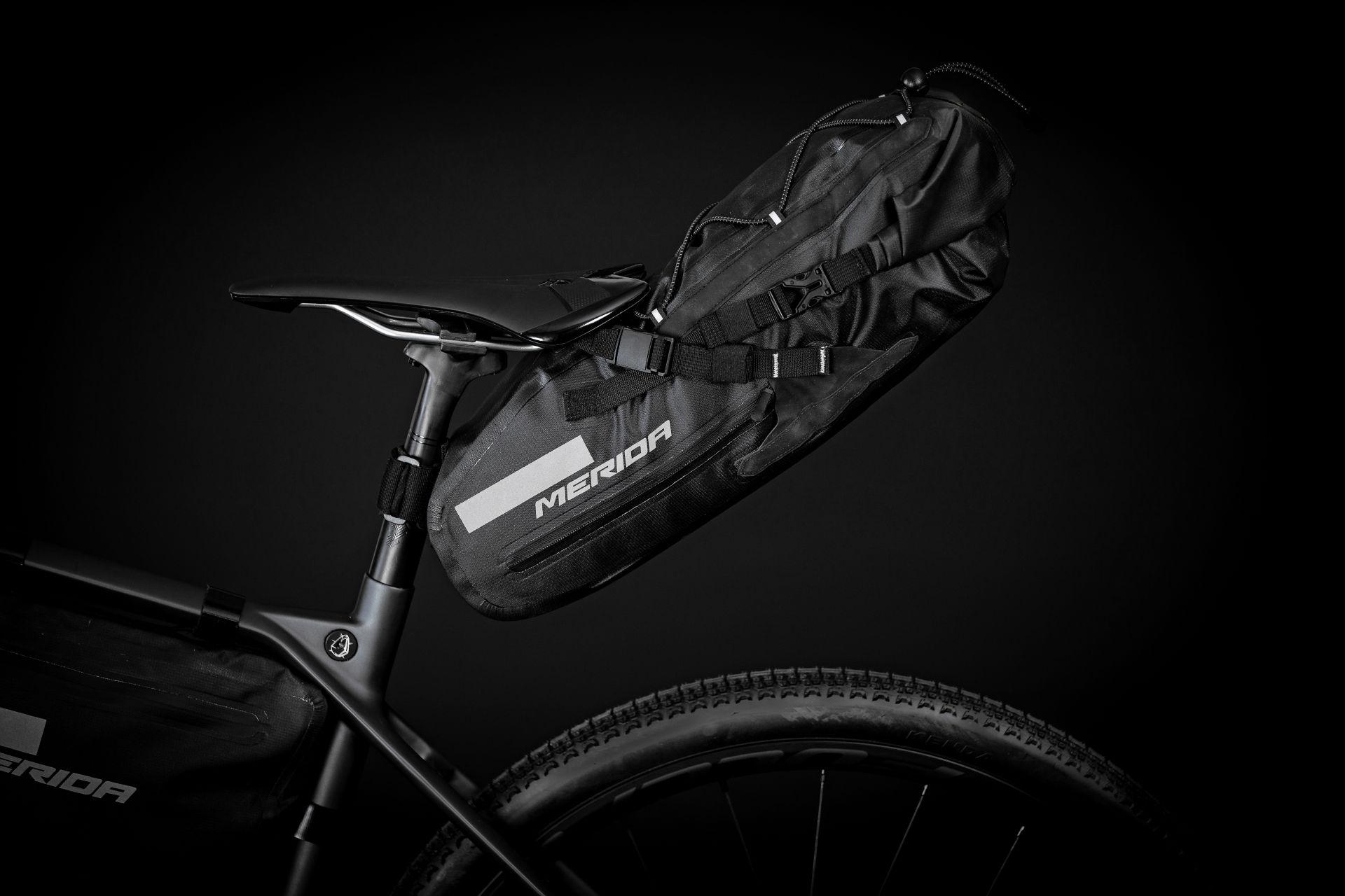 torba podsiodłowa Merida, bikepacking, torba gravelowa, torba Silex,